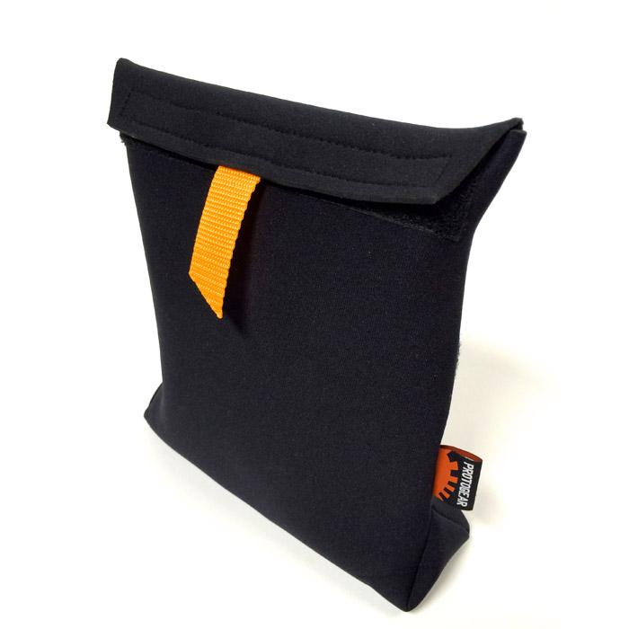 Pochette isolante / Insulated pouch